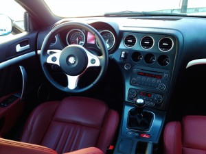 Alfa Romeo Brera 2.2 JTS (source - ThrottleChannel.com) 21